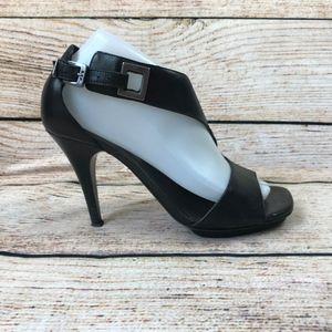 Donald J Pliner black heels pumps 8.5